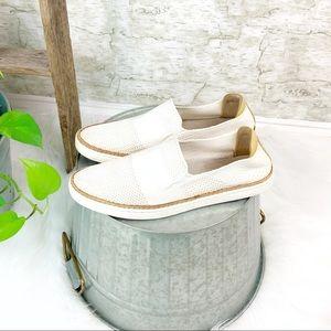 UGG   Sammy Slip-on Soft Knit Sneaker Size 10